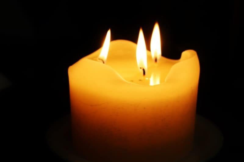 Are Multiple-Wick Candles Better Than One-Wick Candles