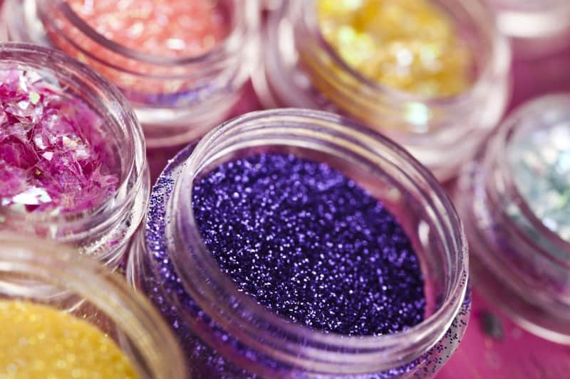 Is it Safe to Put Glitter in Candles
