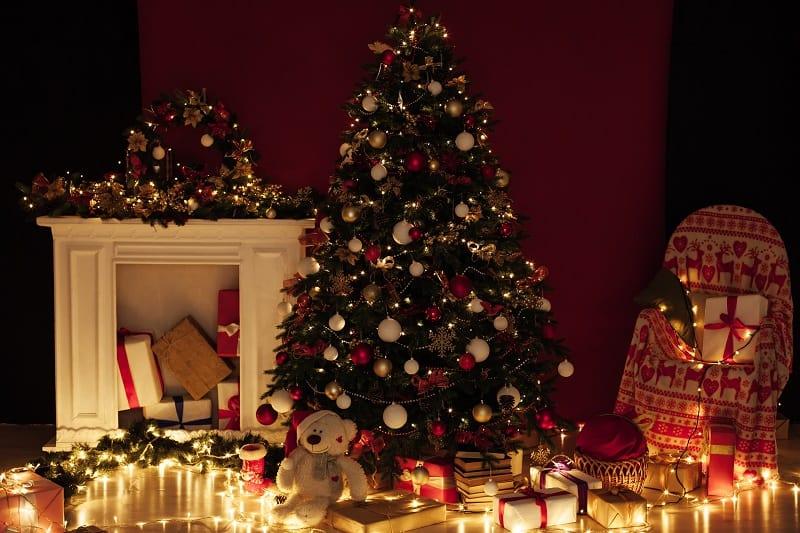 Candles Smell Like Christmas Trees